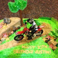 The Dirt Bike Cake (top view)