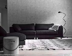Käyttäjämme tunnettapaloakauneuttajanoa on sisustanut olohuoneensa hyvin minimalistisesti, hillittyjä sävyjä hyödyntäen. #inspiroivakoti #kodinsisustus #betoni #industrial Decor, Furniture, Sofa, Modern, Home Decor, Couch
