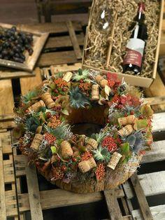 Осінній креатив: круті ідеї для інтер'єрного декору | Ідеї декору Easter Wreaths, Christmas Wreaths, Christmas Decorations, Christmas Ornaments, Moss Wreath, Diy Wreath, Seasonal Decor, Fall Decor, Holiday Decor