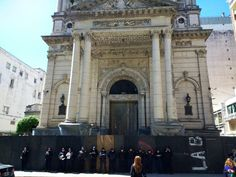 Tristeza! Feministas tentam fazer algo horrível na Catedral do Rosário na Argentina. Confira essa história agora mesmo.