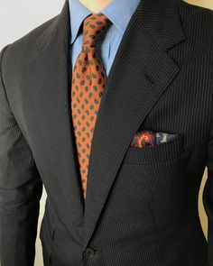 Classic Color Combinations in Menswear Best Suits For Men, Cool Suits, Mens Suits, Mens Fashion Blog, Suit Fashion, Fashion Ideas, Black Suits, Black Tie, Classic Suit