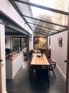 Outdoor Kitchen Design, Modern Kitchen Design, Interior Design Kitchen, Kitchen Decor, Interior Modern, Scandinavian Interior, Kitchen Designs, Glazed Walls, House Extension Design