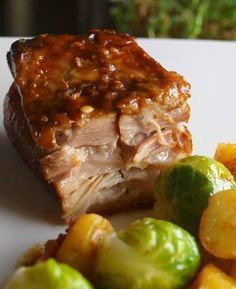 Nothing less than sublime pork belly confit with spices - To drink and eat - Frisou - recettes cuisine maison - Asian Recipes Pork Recipes, Asian Recipes, Cooking Recipes, Salty Foods, Pork Dishes, Pork Belly, No Cook Meals, Healthy Dinner Recipes, Good Food
