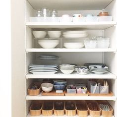 カステへルミ/スターターセット/ティーマ/カップボード/収納/シンプルライフ…などのインテリア実例 - 2017-09-16 10:46:00   RoomClip(ルームクリップ) Muji Storage, Kitchen Storage, Organizing Your Home, Home Organization, Kitchen Dinning, Japanese Interior, Home Hacks, Inspired Homes, Cupboard