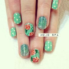 green glittery ombre nails - mojo spa