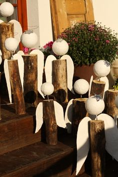anděl ze špalku - Google Search Church Christmas Decorations, Christmas Signs Wood, Felt Christmas, Christmas 2019, Christmas Ornaments, Christmas Activities, Christmas Projects, Holiday Crafts, Home Crafts