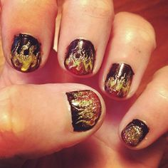 Hunger Games Nail Art. Katniss, the girl who was on fire.