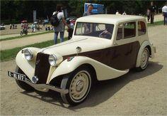Aero 30 Limousine Vintage Cars, Antique Cars, Mobile Sculpture, Tudor, Old Cars, Classic Cars, Automobile, Vans, Buses