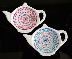 Stipstijl eigen werk Hanneke Mandala Painting, Dot Painting, Painting Patterns, Mandala Dots, Mandala Design, Pottery Painting, Ceramic Painting, Latest Henna Designs, Stippling Art