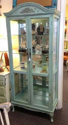 Superbe Shabby Chic Curio Cabinet