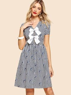 SheIn offers Contrast Bow Front Mixed Print Dress & more to fit your fashionable needs. Trendy Dresses, Stylish Outfits, Fashion Dresses, Trendy Clothing, Classy Trends, Fit N Flare Dress, Black And White Style, Latest Dress, Dress P