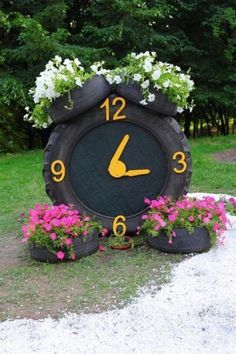 30 Creative Ways to Reuse Old Tires - Container Gardening Garden Crafts, Diy Garden Decor, Garden Projects, Outdoor Garden Decor, Garden Decorations, Tire Craft, Tire Garden, Sun Garden, Easy Garden