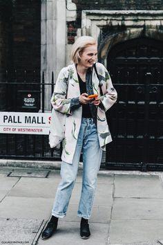 London_Fashion_Week-Spring_Summer_16-LFW-Street_Style-Collage_Vintage-Model_Simone_Rocha-