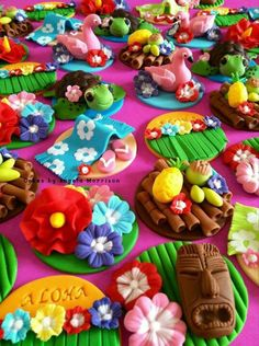 Hawaii cupcake toppers