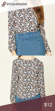 Navy/Cream Floral Woven Top-NWT Floral print top with gold buttons down the back. Never worn and still have tags on it! Forever 21 Tops Tees - Long Sleeve