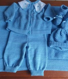 saida maternidade menino Baby Knitting Patterns, Baby Patterns, Baby Dungarees, Matching Sweaters, Baby Cardigan, Baby Design, Crochet Baby, Knitted Hats, Knitwear