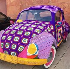 Can I hitch a ride . Crochet Car, Hippie Crochet, Volkswagen, Boho Hippie, Style Boho, Purple Tulips, Crochet Humor, Yarn Bombing, Daily Pictures