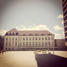 uni innsbruck Innsbruck, Louvre, Building, Places, Travel, Life, Viajes, Buildings, Destinations