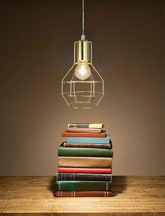 Pendente Livanto, metal, cor dourado – Lamp Show.  Estilo vintage, tendência nas principais revistas de decoração, o pendente livanto pode ser utlizado em qualquer ambiente de acordo com sua criatividade.  Sua casa merece, renove sua decoração com o pendente Livanto. Comporta 01 lâmpada tipo E27 máximo 40W (não inclusa)- Bivolt    Compatível com lâmpadas de Led, incandescente ou eletrônica. Modelo comum tipo E27, máximo 60W.