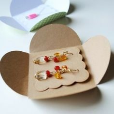 Cute jewelry packaging idea. by megan