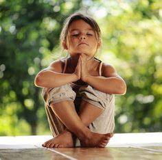 Viva Yoga Pelo Mundo: Conheça 14 motivos para crianças praticarem Yoga.