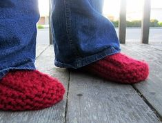 Cranberry Slipper Boots   AllFreeKnitting.com