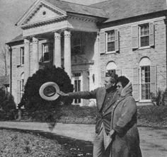 On this day, March 19th, in 1957 #Elvis purchases #Graceland - his beloved home. Here's Vernon and Gladys outside.