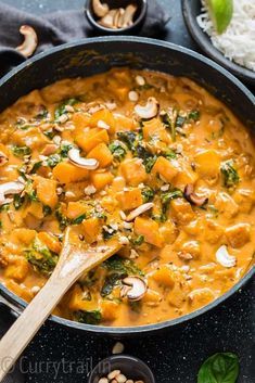 Thai Butternut Squash Curry (with Video) - CurryTrail dinner butternut squash Thai Butternut Squash Curry (with Video) - CurryTrail Veggie Dishes, Veggie Recipes, Indian Food Recipes, Asian Recipes, Whole Food Recipes, Vegetarian Recipes, Healthy Recipes, Vegan Black Bean Recipes, Curry Recipes