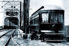 A tramway takes the Victoria Bridge in the early century. Tramway, Of Montreal, Canada, Victoria, Old Photos, Backdrops, The Past, Urban, History