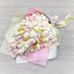 Food Bouquet, Gift Bouquet, Candy Bouquet, Chocolate Basket, Chocolate Bouquet, Chocolate Gifts, Diy Resin Crafts, Diy And Crafts, Food Business Ideas
