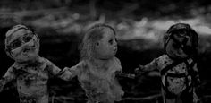 Discover & share this Dolls GIF with everyone you know. GIPHY is how you search, share, discover, and create GIFs. Creepy Gif, Creepy Horror, Horror Art, Scary, Dark Gif, Sri Lanka, Peculiar Children, Haunted Dolls, Gifs