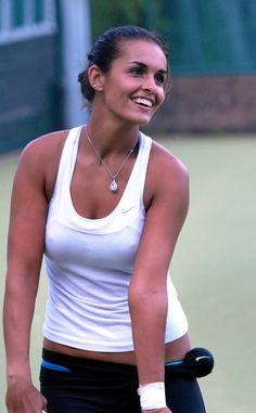Foto Sport, Play Tennis, Rafael Nadal, Tennis Players, Female Athletes, Basic Tank Top, Tank Man, Athletic, Tank Tops