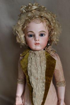Antique Dolls, Vintage Dolls, Big And Beautiful, Beautiful Dolls, Teddy Bear Toys, Bisque Doll, Hello Dolly, Pretty Dolls, Dollhouse Dolls