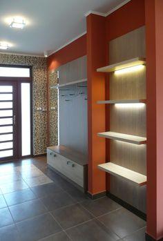 Modern előszoba bútor, LED világítású lebegőpolcokkal. Entrance, Divider, Led, Furniture, Home Decor, Entryway, Decoration Home, Room Decor, Door Entry