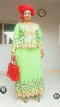 Malian Fashion bazin #Malifashion #Malianfashion #bazin #Africanfashion #Westafricanfashion #Mali #Bamako #malianwomenarebeautiful #dimancheabamako #mussoro #malianwedding #bazinriche #malianbride #lesmaliennesontbelles #lesafricainessontbelles #brodé #brocade #teinture #gala #waxoutfits #ankara #dalifini #vlisco #getzner #lesmaliennesontbelles African Attire, African Fashion Dresses, African Dress, African Wear Designs, African Design, Lace Skirt, Style Inspiration, Bride, Clothes For Women