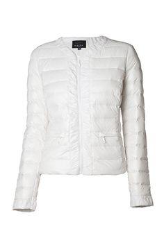 Fjäderlätt jacka i vacker modell Winter Jackets, Fashion, Model, Winter Coats, Moda, Fashion Styles, Fasion, Fashion Illustrations, La Mode