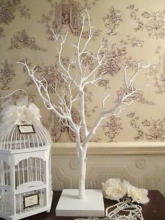 White Finish Manzanita Wedding Wishing Tree with flexible branches Size Details Tree Approx 85cms High Base 18 x 18 cms Description An innovative