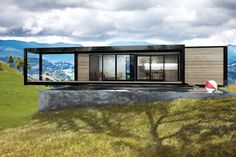 All you need is a concrete base and then you drop this modular home on it for 40.000 dollar. Great concept from san Fransisco. Who's first in France?