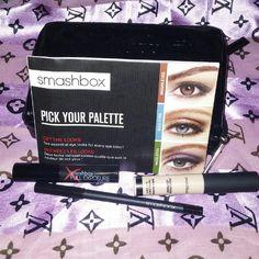 Smashbox set Never used comes with photo finished lid primer, full exposure mascara, and limitless eye liner in onyx. Smashbox Makeup Eye Primer