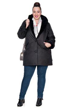 Czarna długa kurtka z kapturem i futerkiem - Modne Duże Rozmiary
