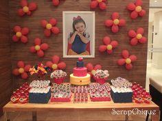 Snow White Birthday, Summer Birthday, Maria Clara, First Birthdays, Alice, Frame, Snowman Ornaments, 1st Birthday Photos, Snow White Art