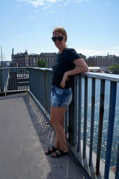 Demin shorts from H&M, t-shirt from Filippa K (mens) and Birkenstock sandals