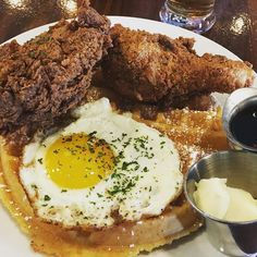 Sunday brunch #streetcar #lajolla #chickenandwaffles #friedchicken @azicedt @lude1888 #lajollalocals #sandiegoconnection #sdlocals - posted by Christine Kim  https://www.instagram.com/christinehyunakim. See more post on La Jolla at http://LaJollaLocals.com