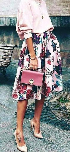 winter outfits for church Rich Look With Splen - winteroutfits Church Outfit Fall, Church Outfits, Casual Skirt Outfits, Mode Outfits, Cozy Winter Outfits, Spring Outfits, Checked Skirt Outfit, Image Coach, Stockings Outfit