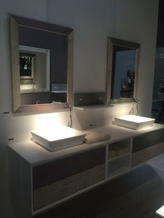 03-AD-Reclaimed-wood-bathroom-vanity-front-with-storage