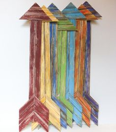 Add some color and whimsy to your home with these hand painted, distressed, reclaimed wood arrows. Choose your favorite color. Each arrow is Pallet Crafts, Pallet Art, Wood Crafts, Ruler Crafts, Woodworking Projects, Diy Projects, Pallet Projects, Woodworking Wood, Wood Arrow