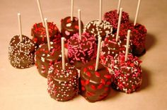 Valentine's Party:  Dip marshmallows in chocolate and embellish with red, pink, and white sprinkles. Such a cute, easy Valentine's Day project with your kids!