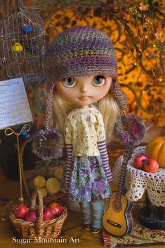 Autumn Blessings. Sugar Mountain Top Cotton by SugarMountainArt