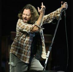Eddie Vedder by Daniel Gluskoter Eddie Vedder, Rock Artists, My Church, Pearl Jam, Hey Girl, Choir, My Music, My Hero, Attitude