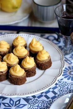Brownies amb licor i crema de llimona Brownies, Muffin, Breakfast, Desserts, Food, Cream, Cake Brownies, Morning Coffee, Tailgate Desserts